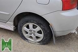 Что делать, если на скорости пробьет переднее колесо?