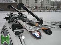 Лыжи на крыше